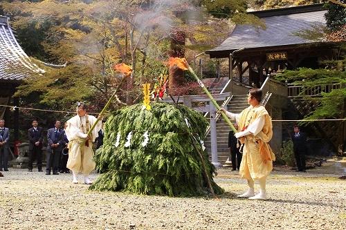 西林寺さくらまつり02.jpg