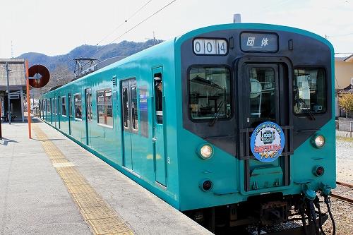 1603g-train02.jpg