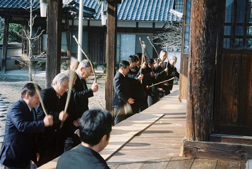 西脇市指定文化財「妙覚寺ワラワラ」