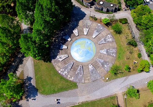 日本へそ公園の上空から見た「銀河の広場」