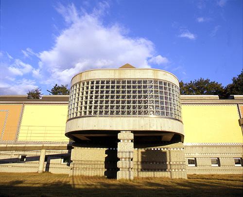 西脇市岡之山美術館の「パワーがチャージできる瞑想室」