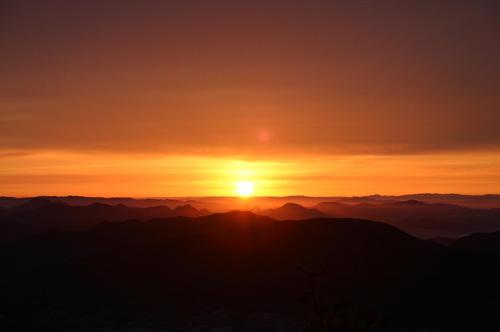 西光寺山頂のご来光