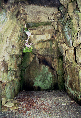 下山古墳の石室