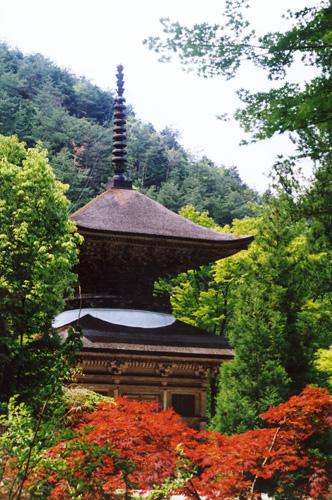荘厳寺の兵庫県指定文化財「多宝塔」